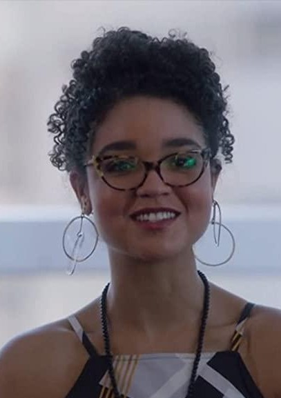 help me find similar earrings as kat is wearing from the bold type - SeenIt