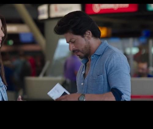 Looking for same watch like shahrukh khan - SeenIt