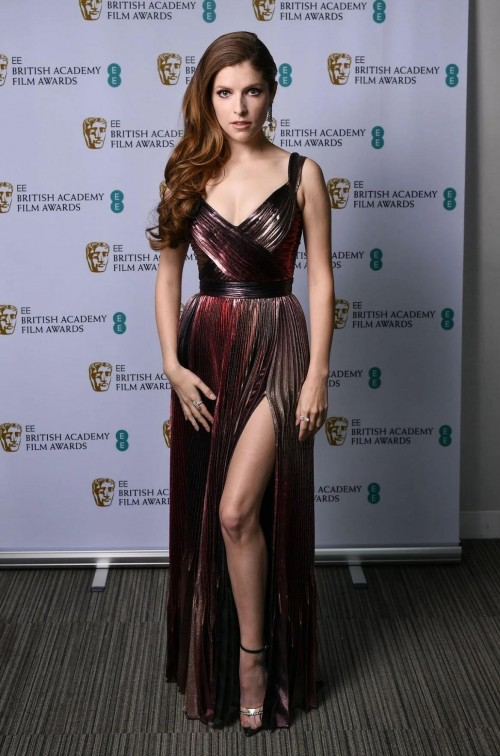 Yay or nay? Anna Kendrick attends the BAFTAS2021 wearing a metallic slit gown - SeenIt