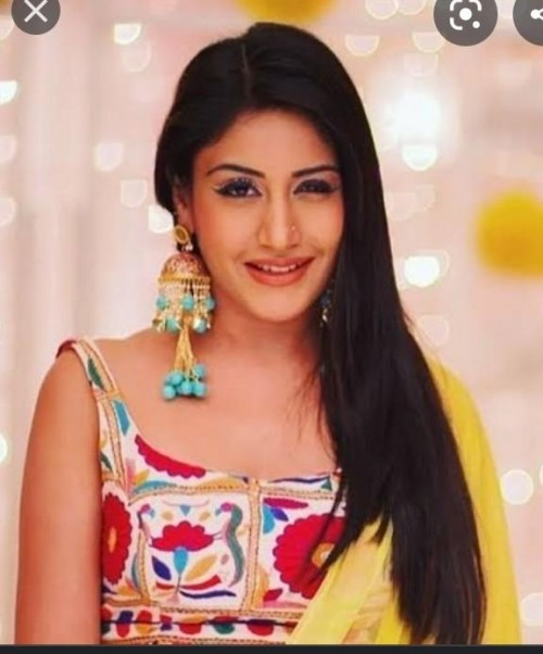 looking for this earrings worn by Surbhi Chandna in Ishqbaaz - SeenIt