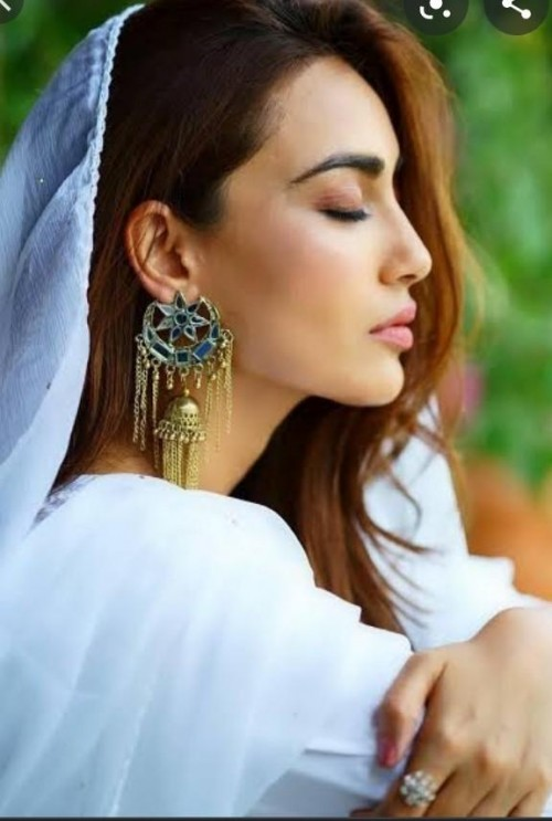 looking for this earrings worn by Surbhi Jyoti - SeenIt