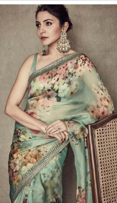 I am looking for the saree which anuksha sharma is wearing - SeenIt