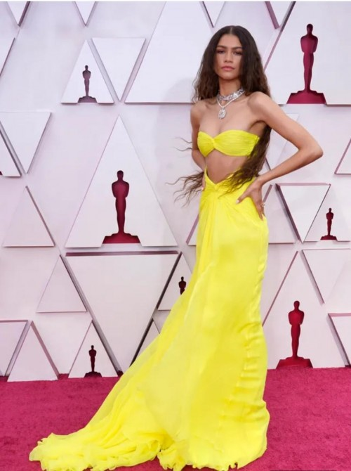 Yay or nay? Zendaya attends the Oscars  Academy Awards 2021 wearing a yellow two piece gown - SeenIt