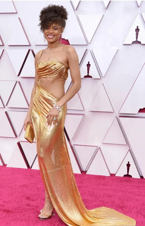 Yay or nay? Andra Day attends the Oscars  Academy Awards 2021 wearing a golden shimmer cutout gown - SeenIt