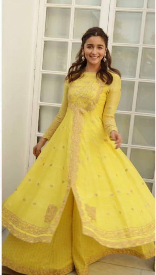 Yay or nay? Alia Bhatt seen wearing a yellow anarkali outfit - SeenIt