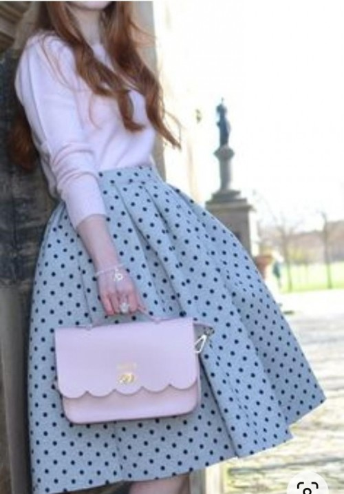 please i want the same top, skirt and bag - SeenIt