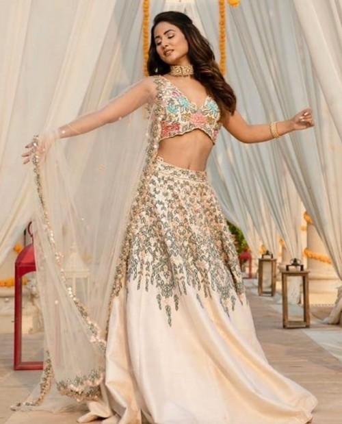 Yay or nay? Hina Khan seen wearing an embroidered peach lehenga attire - SeenIt
