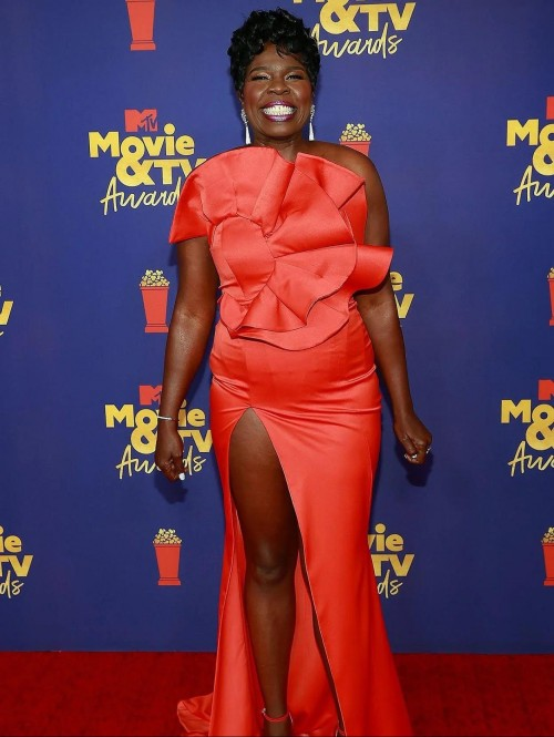 Yay or nay? Leslie Jones attends the Mtv music and Tv awards 2021 - SeenIt