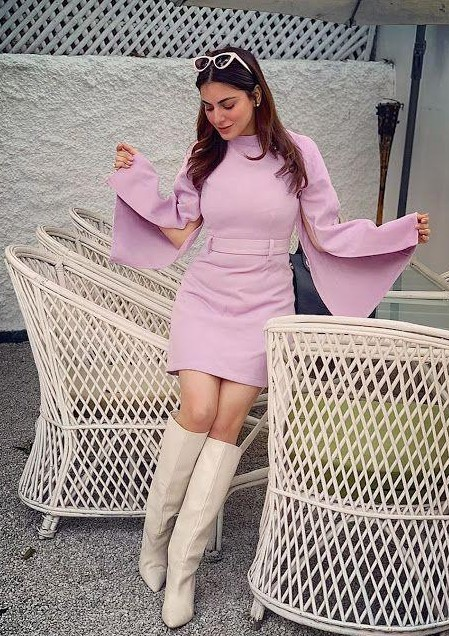 i am looking for similar outfit and boots like shraddha arya - SeenIt