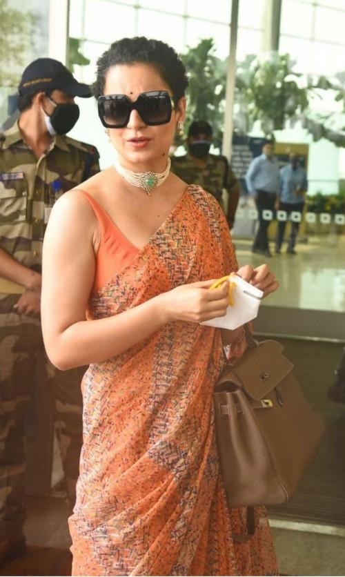 Kangana Ranaut's similar black oversized sunglasses please - SeenIt