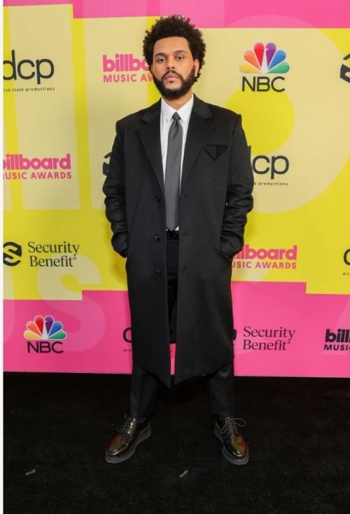 Yay or nay? The Weeknd attends the Billboard music awards 2021 - SeenIt
