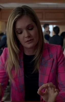 Looking for a similar pink blazer online - SeenIt