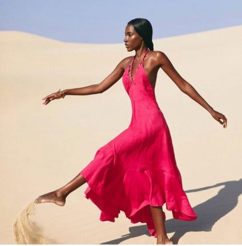 That halter pink dress please - SeenIt