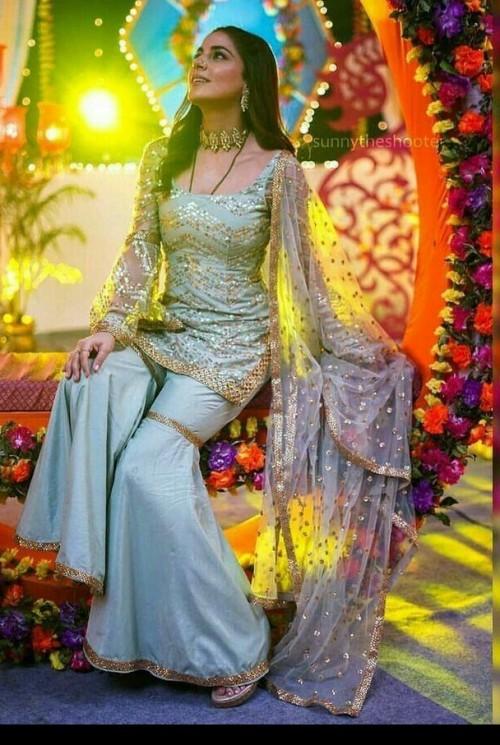 Shraddha arya dress - SeenIt