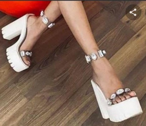 I m looking for the same heels - SeenIt