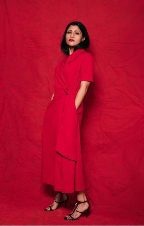 That red dress please - SeenIt