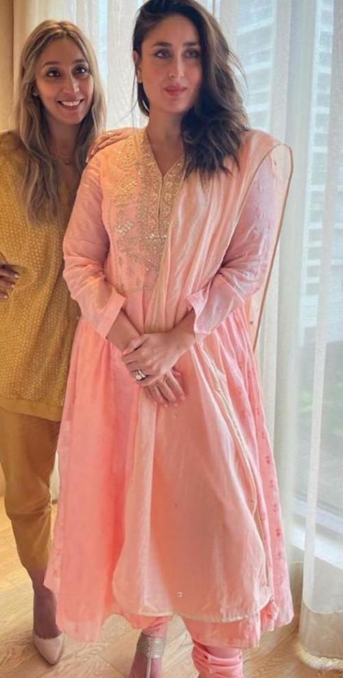 Want that pink outfit please like kareena kapoor khan - SeenIt