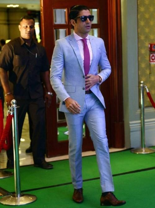 Farhan Akhtar looked dreamy in this suit at IIFA 2016. What say you? - SeenIt