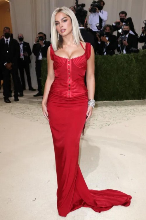 Yay or nay? Candice Swanepoel attends the MetGala 2021 wearing a Gucci red gown - SeenIt