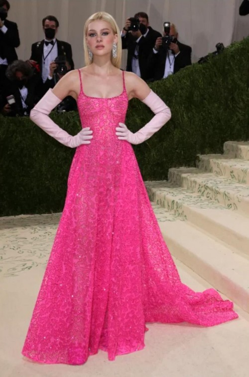 Yay or nay? Nicola Peltz  attends the MetGala 2021 wearing a pink valentino gown - SeenIt