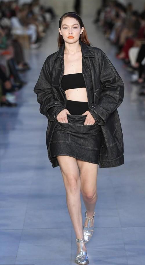Yay or nay? Gigi Hadid walks the runway wearing Max Mara Spring Summer 2022 runwa - SeenIt