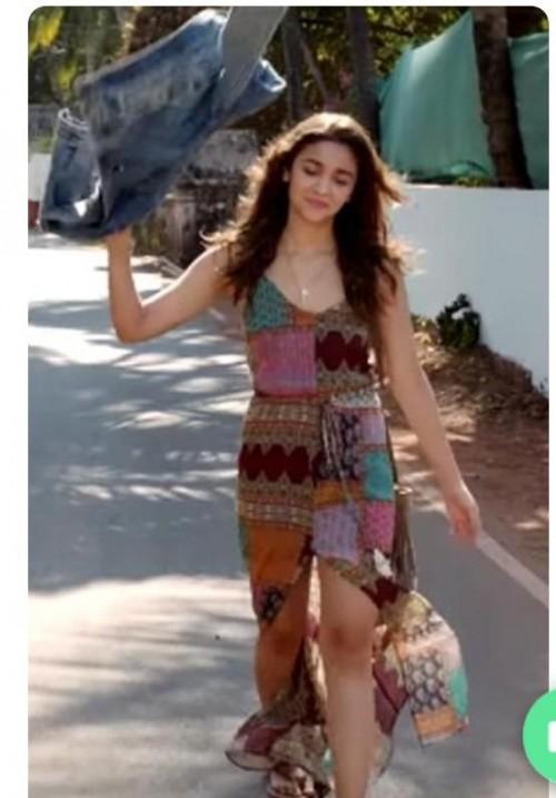 I'm looking for this dress I wanna buy it like alia bhatt - SeenIt