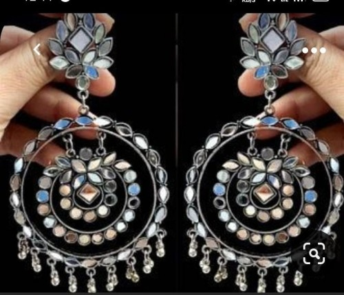 I am looking for this same earring but of beeter quality not from snapdeal etc. expensive one - SeenIt