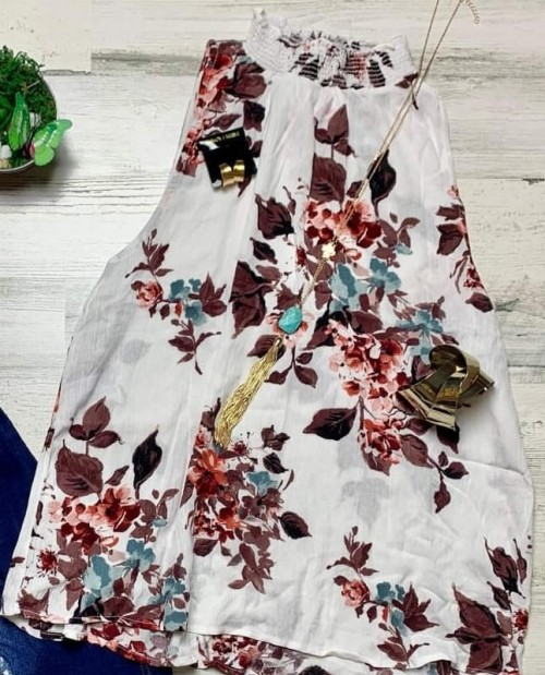 This blouse or similar style - SeenIt