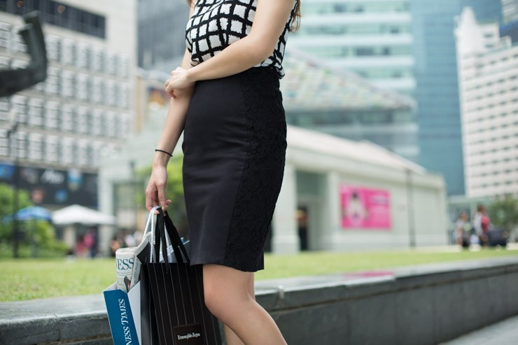 The_Business_Times_SHENTONISTA-All_Boxes_Checked-Samantha-Banking-Singapore-Skirt_HM-1
