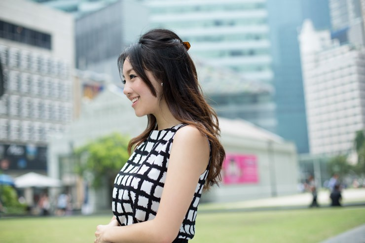 The_Business_Times_SHENTONISTA-All_Boxes_Checked-Samantha-Banking-Singapore-Skirt_HM-3