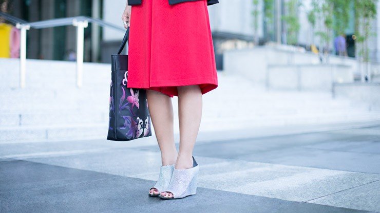 UOB_Cards_SHENTONISTA-Painting_The_Town-Rachel-Entrepreneur-Bag_Anna_Sui-Romper_Love_Bonito-Vest_Love_Bonito-Shoes_Alexander_Wang-2