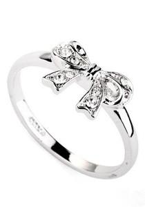 Ribbon Crystal Ring (Size 10)