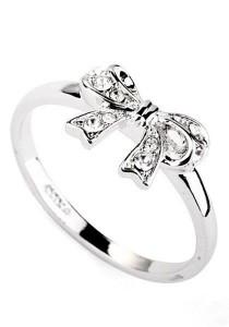 Ribbon Crystal Ring (Size 13)