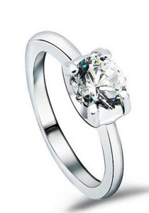 OUXI Swarovski Zirconia Diamond Love Ring (Size 13)