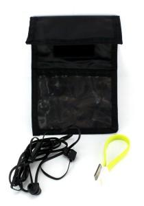 Travel Kit - Travel Wallet, iPhone 4 Dock Cable 225cm (Random Colour), Earphone (Black)