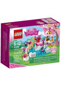 LEGO DISNEY PRINCESS Treasure's Day at the Pool (41069)