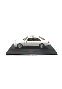 Highspeed Toyota Crown Die-cast Car 1:43 Car Model Collection (White)