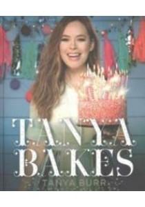 Tanya Bakes -- Hardback ( by Burr, Tanya ) [9781405927208]