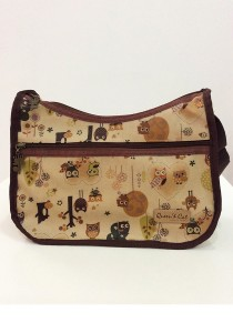 Queen and Cat Waterproof Classic Sling Bag (Owl in Brown Background)