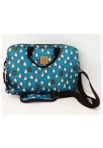 Queen And Cat Waterproof 14 inches Laptop Bag (Cats in Blue Background)