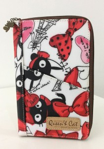 Queen And Cat Waterproof Travel Organizer Wallet (Red and Pink Ribbon)