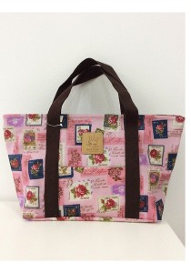 Queen And Cat Waterproof Small Shoulder Bag (Rose Stamp in Pink Background)