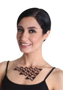 Salute Salma Ombak IV Acrylic Necklace