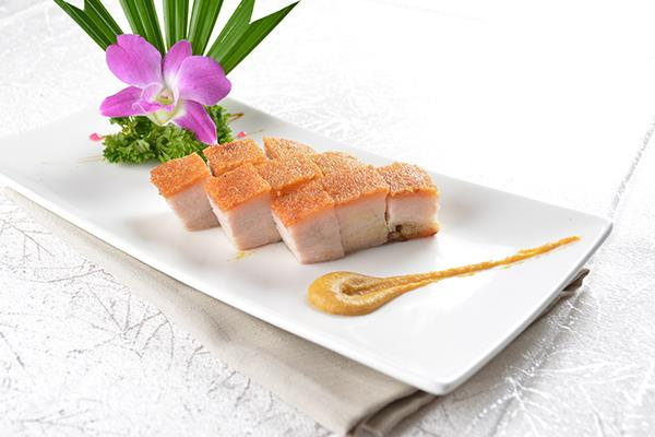 A13 脆皮烧腩仔 Roasted Crispy Pork Belly (Serving)