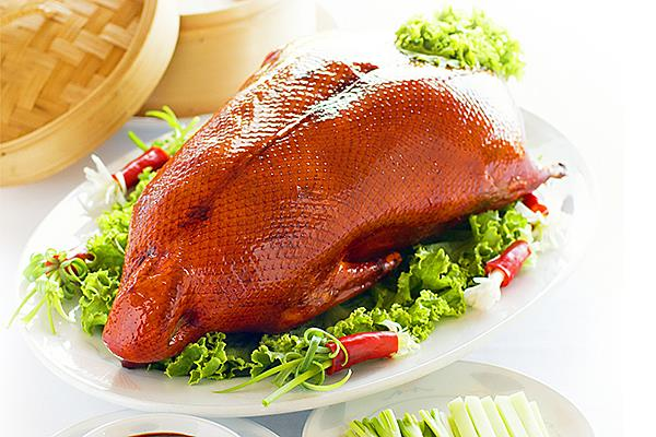A09 北京片皮鸭 Roasted Peking Duck (Whole)