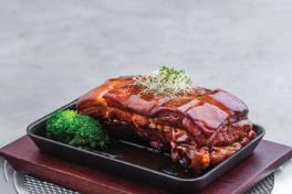 东坡肉 Braised Pork Belly