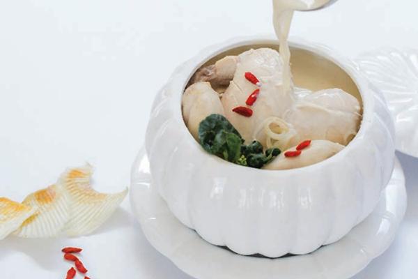 滋补汤类 Nourishing Soups