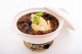 Double-boiled Chicken Soup with Peach Essence and Morel Mushroom 羊肚菌桃胶炖鸡汤