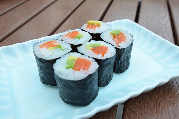 Hosomaki (Thin Sushi Roll)