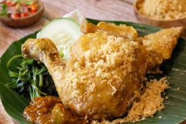 Ayam Penyet + Nasi (Smashed Fried Chicken + Rice + Drink)